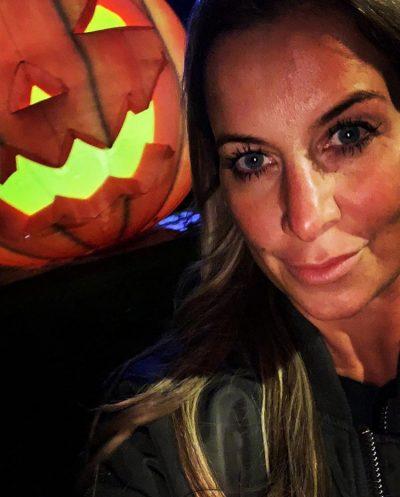 Charlotte, erzähl mal, wie feierst du Halloween?